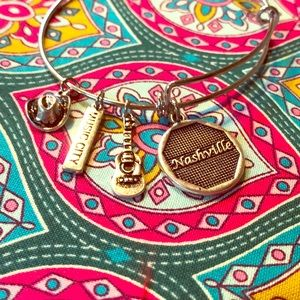 Tennessee Bracelet with cute charms BRAND NEW